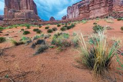 Долина памятника, Аризона, пейзаж перспективы в осени Стоковое Изображение RF