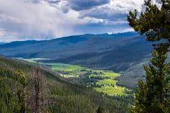 Долина Green River среди холмов скалистых гор Положение Колорадо Стоковые Фото