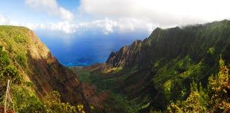 долина kalalau Гавайских островов Стоковые Фото
