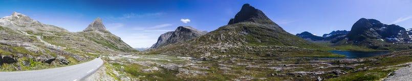 Долина Meiadalen на дороге горы Geiranger Trollstigen в южной Норвегии Стоковая Фотография RF