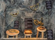 Долина Ridanna Ridnaun в южном Тироле, Италии - могут 27,2017: внутренняя зала южного музея минирования Тироля: выдержка измерять Стоковые Фото