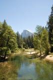 Долина Yosemite и половинный купол Стоковые Фотографии RF