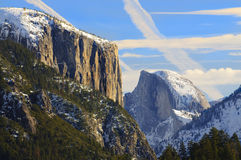 Долина Yosemite на заходе солнца Стоковые Фотографии RF