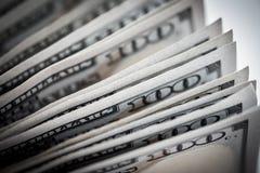 Долларовые банкноты американца крупного плана Селективный фокус на стоге одного h Стоковые Фото