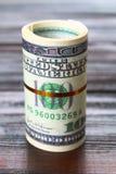 100 долларов куча как предпосылка Стоковое Фото