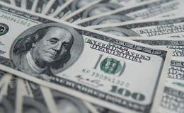 100 долларов кучи Предпосылка денег, куча долларов, финансовая концепция заработков Взгляд сверху финансовохозяйственно Стоковое Изображение