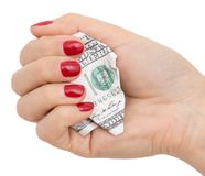 100 долларов скомканных в его руке на белой предпосылке Стоковая Фотография