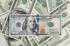 100 долларов США, портрет президента близкие поднимающие вверх, много деньги Стоковое Изображение