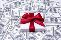 доллары наваливают красный цвет Стоковые Изображения
