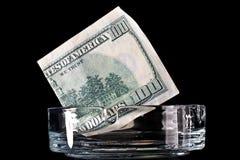 доллар кредитки ashtray Стоковые Изображения RF