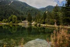 Доломиты Италия Dobbiaco озера Стоковое Изображение RF