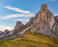 Доломиты Passo Giau взгляда лета, Италия, Европа стоковые фото
