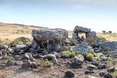 Дольмен - каменное захоронение бронзового века в зоне Голанских высот, Израиле Gamla стоковое фото
