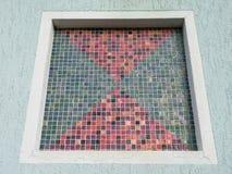 Домашнее окно с красочной мозаикой, Литвой Стоковые Фото
