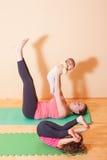 Домашние тренировки йоги Стоковые Фото