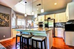 Домашний интерьер кухни Стоковое Изображение