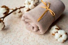 Домашний интерьер, портной шить, diy концепция Куча красочных тканей ткани Одежды белья хлопка цвета Стоковое Изображение