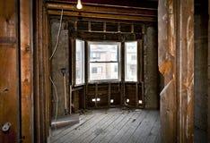Домашний интерьер gutted для реновации стоковое изображение rf