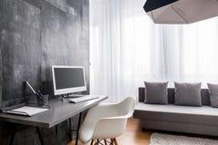 Домашний офис в новом стиле стоковые изображения rf