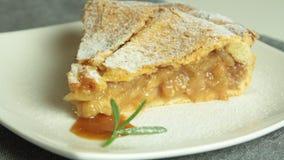 Домашний сделанный яблочный пирог сток-видео