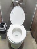 Домашний туалет со сливом Стоковое Изображение