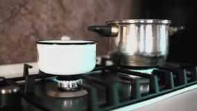 Домашняя газовая плита акции видеоматериалы