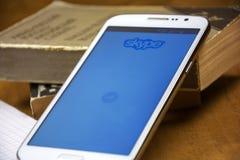 Домашняя страница Skype на экране smartphone Стоковая Фотография RF