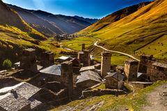 Дома, ландшафты и башни Svan Ushguli Стоковое фото RF