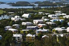 Дома Бермудских Островов в сногсшибательных цветах Стоковое Фото