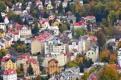 Дома взгляда сверху города живописные стоковые изображения