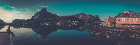 Дома в деревне Reine, Норвегии Стоковая Фотография RF