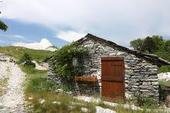 Дома в камне и белых мраморных камнях Garfagnana, Campocatino стоковое изображение rf