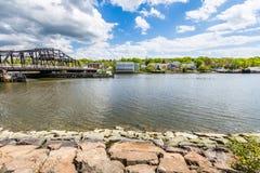 Дома в парке реки Quinnipiac в New Haven Коннектикуте Стоковая Фотография