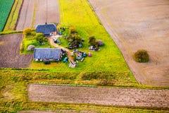Дома в сельской местности Литве стоковая фотография rf