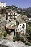 Дома горного склона в старом городке Savoca Город фильма крёстного отца Стоковое Изображение RF