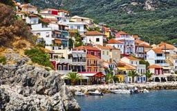 Дома горного склона в Parga, Греции Стоковое Изображение