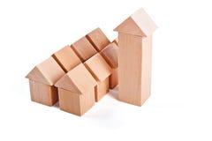 Дома игрушки сделанные из деревянных блоков Стоковая Фотография RF