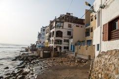 Дома и гостиницы на пляже Taghazout стоковое изображение