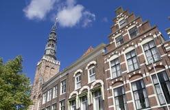 Дома и церковь в Leiden, Голландии Стоковые Изображения RF