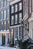 Дома канала Амстердам в зиме Стоковое Изображение