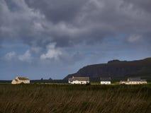 Дома на ирландском западном побережье Стоковое фото RF