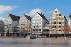 Дома на квадрате Munsterplatz собора Ulm, Баден-Wurttemberg, Германия Стоковая Фотография RF