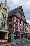 Дома на обваловке Рейна в средневековой деревне острословия Sankt Goar Стоковое фото RF