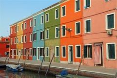 Дома на острове Burano немного миль от Венеции в Northe Стоковое Изображение