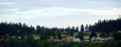 Дома на холмах около Windjammer паркуют в гавани дуба Стоковое Изображение