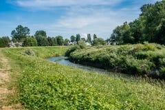 Дома на Green River Стоковое Изображение