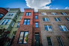 Дома около круга Du Pont, в Вашингтоне, DC Стоковое Изображение