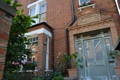 Дома расквартировывают старый винтажный сад вереска Лондона Hampstead Стоковые Изображения RF