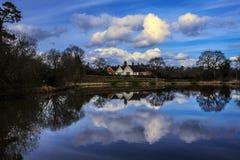 Дома рядом с водой Стоковые Изображения RF