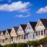 Дома Сан-Франциско викторианские в квадрате Калифорнии Alamo Стоковые Фото